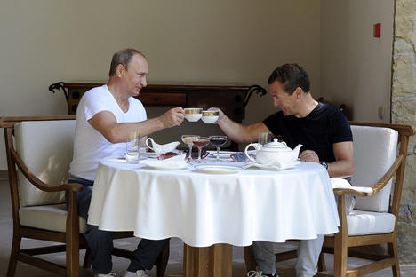 russian_president_vladimir_putin_and_prime_minister_dmitry_medvedev_rtx1q9uj_1000