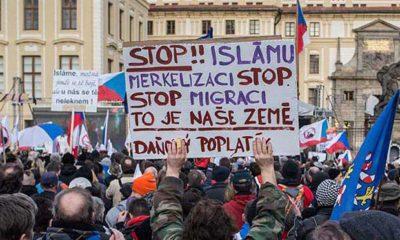 26-13-01-Praga-Protest-1