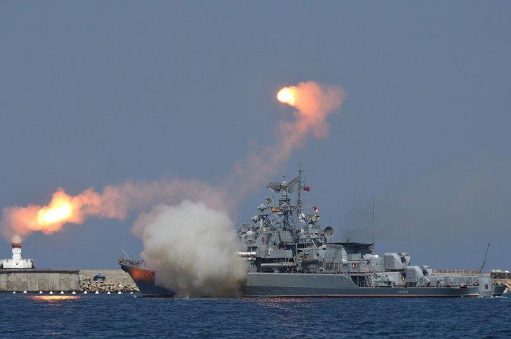 Russian-navy-fleet-day-Crimea-4