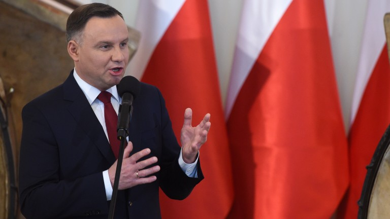 epa06425213 Polish President Andrzej Duda speaks during a meeting with representatives of civic institutions and organisers of social campaigns in the Presidential Palace in Warsaw, Poland, 08 January 2018. The meeting was organized on the occasion of the 100th anniversary of the Polish Independence, which will take place on 11th November 2018. Participants of the ceremony listened to the concert of the Orchestra of the Great Drums, which beat the 'Independence Pulse' music work.  EPA/Radek Pietruszka POLAND OUT