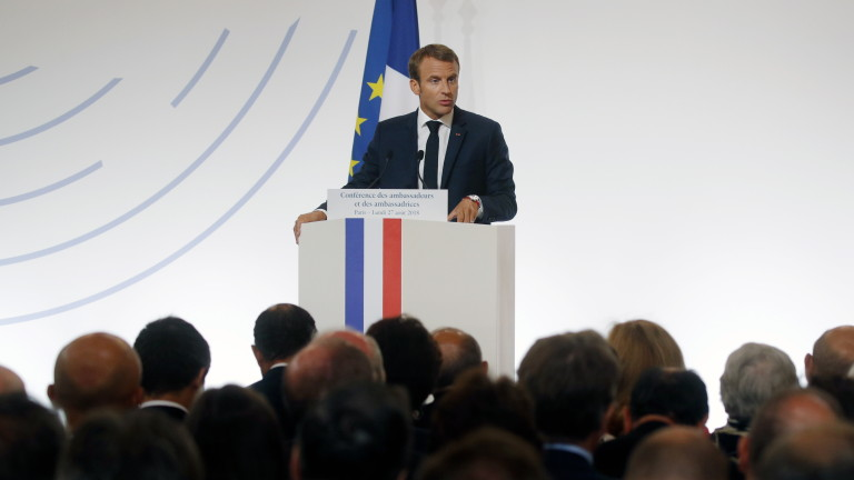 epa06976090 French President Emmanuel Macron delivers a speech during the annual French ambassadors' conference at the Elysee Palace in Paris, France, 27 August 2018.  EPA/PHILIPPE WOJAZER/POOL