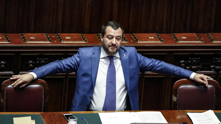 epa07066336 Italian Interior Minister Matteo Salvini attends a 'question time' in the Chamber of Deputies in Rome, Italy, 03 October 2018.  EPA/GIUSEPPE LAMI