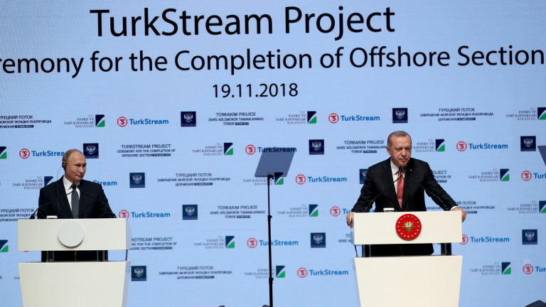 epa07177051 Turkish President Recep Tayyip Erdogan (R) and Russian President Vladimir Putin (L) attend a ceremony on the occasion of completion of offshore section of Turkstream project in Istanbul, Turkey, 19 November 2018. TurkStream will directly connect the large gas reserves in Russia to the Turkish gas transportation network, to provide reliable energy supplies for Turkey, south and south-east Europe.  EPA/ERDEM SAHIN