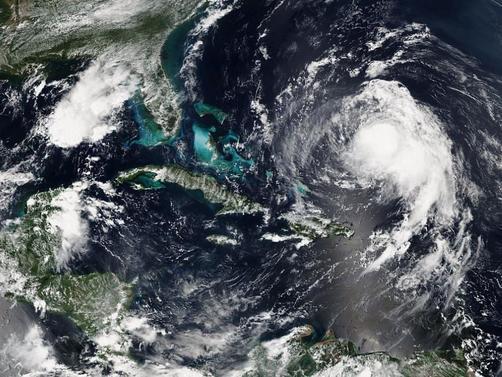 урагани2089650__377