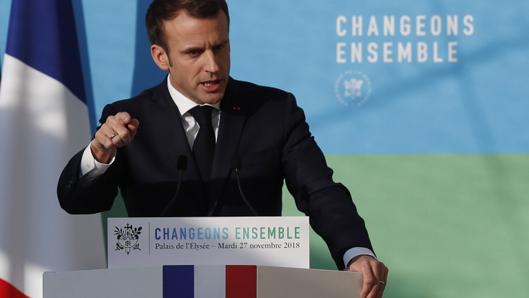 epa07192454 French President Emmanuel Macron delivers a speech after attending a meeting dubbed 'The presentation of the strategy for ecology transition', at the Elysee Palace in Paris, France, 27 November 2018. President Macron addressed the situation in regards to the ongoing 'Gilets Jaunes' (Yellow Vest) protests across France, calling for concertations with Yellow Vest representatives.  EPA/IAN LANGSDON / POOL