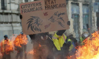 epa07263765 Protesters clashes with French riot police during a 'Yellow Vests' protest in Toulouse, France, 05 January 2019. The so-called 'gilets jaunes' (yellow vests) is a grassroots protest movement with supporters from a wide span of the political spectrum, that originally started with protest across the nation in late 2018 against high fuel prices. The movement in the meantime also protests the French government's tax reforms, the increasing costs of living and some even call for the resignation of French President Emmanuel Macron.  EPA/GUILLAUME HORCAJUELO