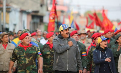 epa07342982 A handout photo made available by the Miraflores Press Office shows Venezuelan President Nicolas Maduro (C) gesturing during an act of government with the military in Maracay, Venezuela, 04 February 2019. Maduro said that the decision of the head of the Government of Spain, Pedro Sanchez, to recognize the leader of the Parliament of the Caribbean country, Juan Guaido, as president in charge of Venezuela is 'disastrous'.  EPA/PRESS MIRAFLORES HANDOUT HANDOUT/EDITORIAL USE ONLY/NO SALES HANDOUT EDITORIAL USE ONLY/NO SALES