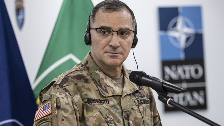 epa05807052 NATO Supreme Allied Commander Europe (SACEUR), US General Curtis Scaparrotti (C), listens to a question during a news conference at the headquarters of the North Atlantic Treaty Organization's (NATO) mission in Kosovo (KFOR) during his visit in Pristina, Kosovo, 21 February 2017. US General Curtis Scaparrotti is on one day official visit in Kosovo.  EPA/VALDRIN XHEMAJ
