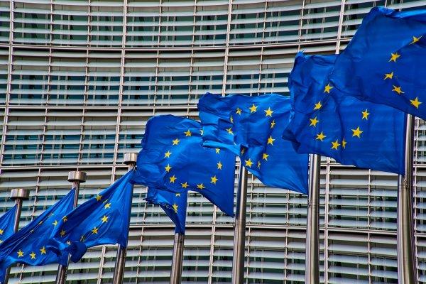 brussels-europe-flag-4056171